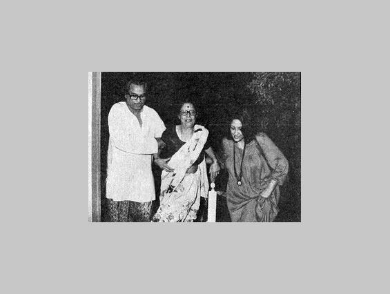 Preeti Ganguly wearing the mala