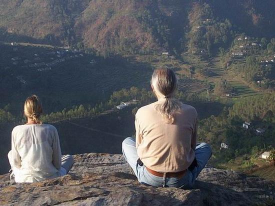 Meditators on Eagle's Rock