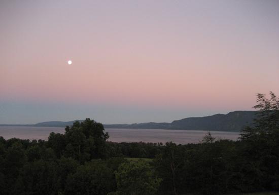900 Sammasati 019 lake at dawn