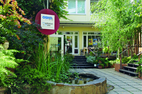 Osho UTA courtyard