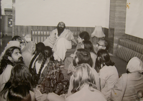 Osho giving a talk in the early days