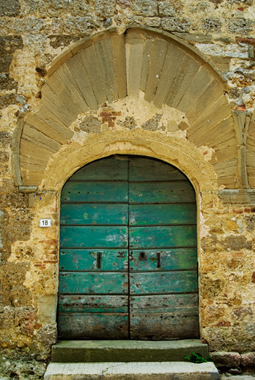 Old door in Mensano