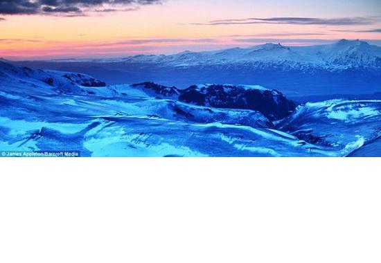ice fields around vulcano