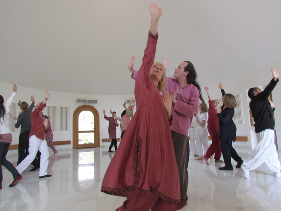 Gurdjieff Movements at Osho Nisarga - turning