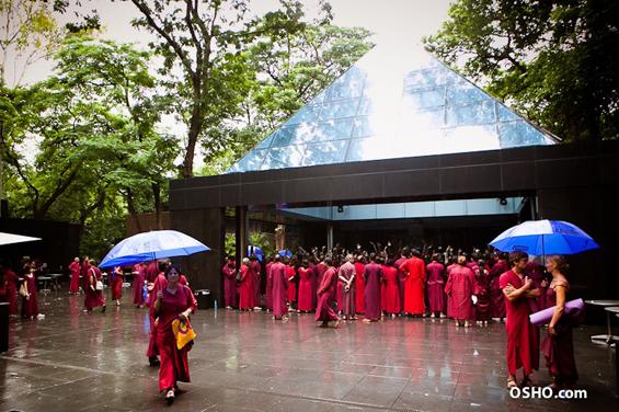 Osho Meditation Resort - Plaza in monsoon