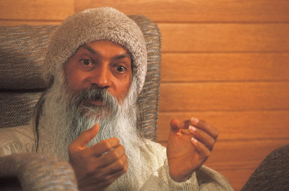 Osho giving discourse in Lao Tzu