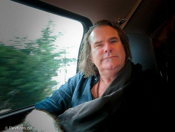 Ed in train