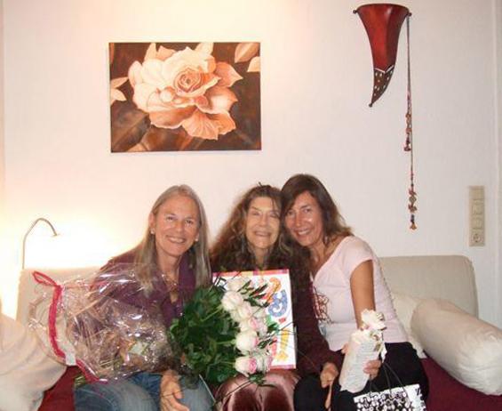 Mangala with Rani and Kiya celebrating her birthday 21.11.2011