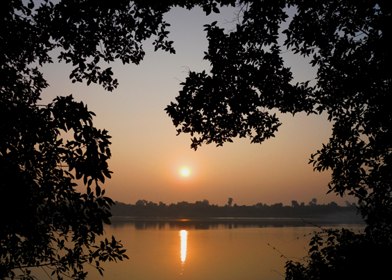Sunrise across the Narmada