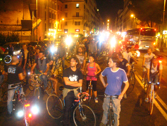 Critical Mass stopping traffic downtown Rome