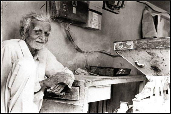 Neerjali Khoja, Anjar