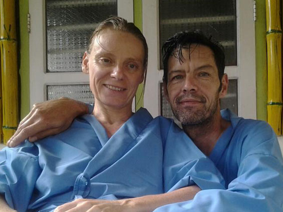 Kavya-and-husband-at-clinic
