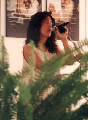 1994 singing at Miasto