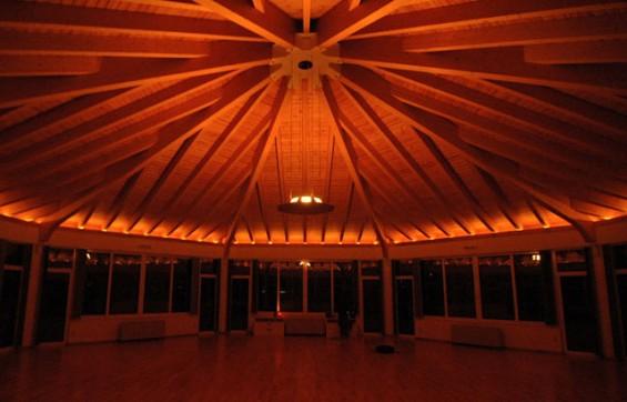 Buddha-Hall-at-night