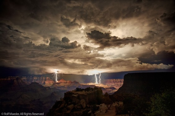 Grand Canyon Lightshow 1