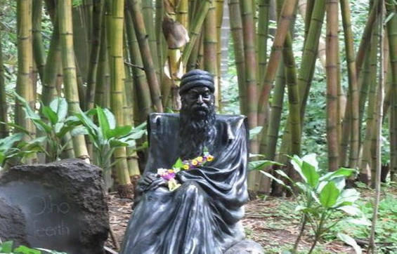 Osho Statue