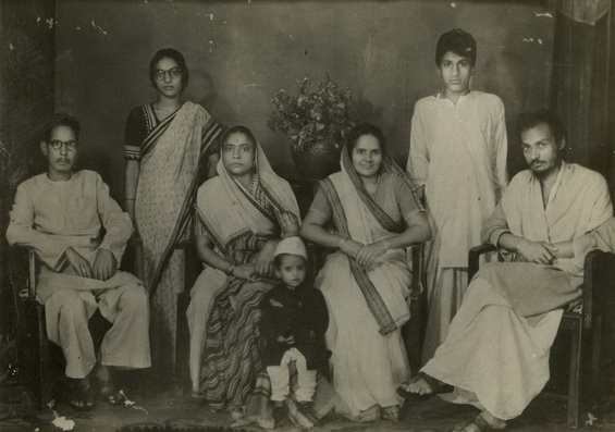 Osho in Jabalpur with relatives