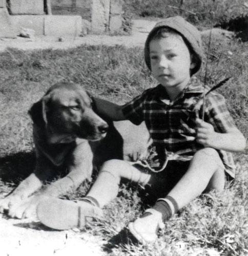 020-Mahakavi-with-a-dog