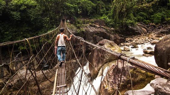 Steel Rope Bridge on the way to Nongriat Village