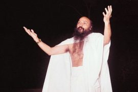 Osho arms open Feat