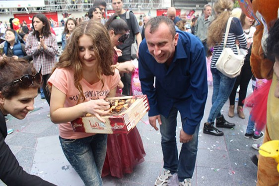 Laughter-Carnival-in-Tbilisi-5