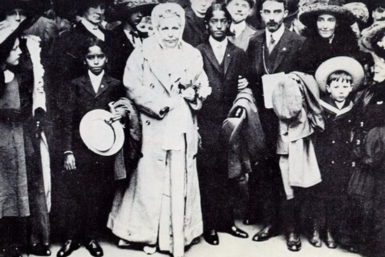 Nitya, Besant, Krishnamurti, Ernest Wood (Leadbeater's assistant) - London, 1911