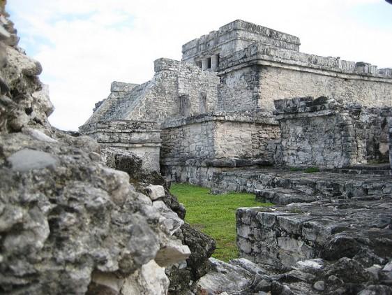 Ruins-_at_Tulum