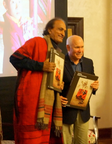 Raghu Rai and Steve McCurry presenting the book