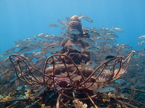 Underwater structure
