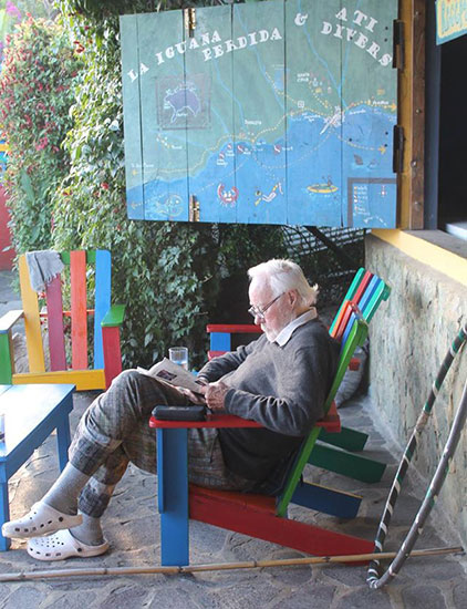 Sarito reading