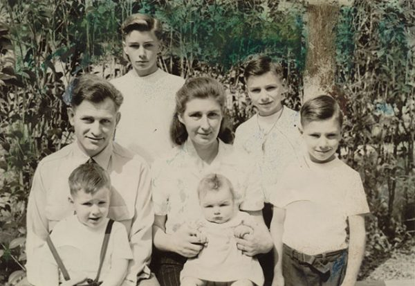 068-akinfamily1953