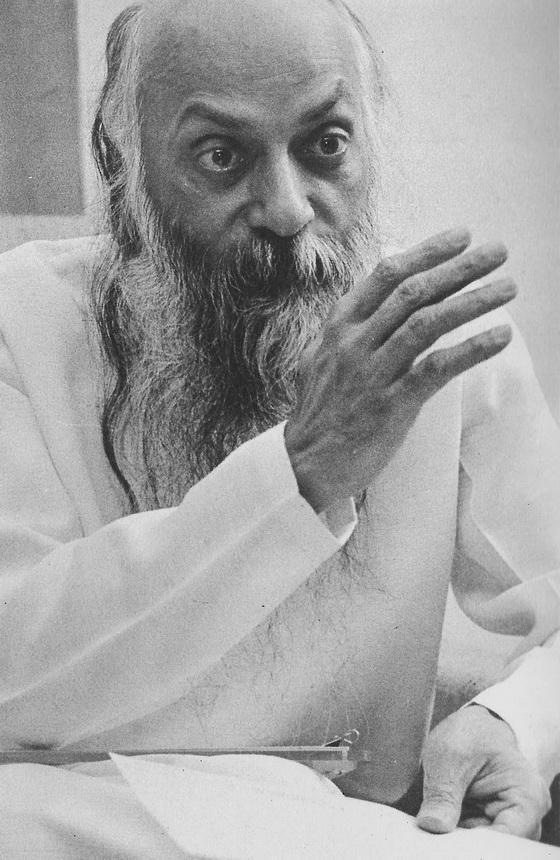Osho darshan speaking (4)