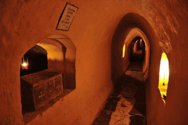 050-Lavra-Caves