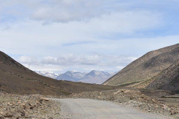 Drive to Reting Monastery