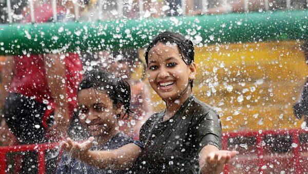 Welcoming rain © Piyal Adhikary EPA
