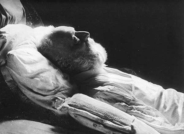 old man on death bed