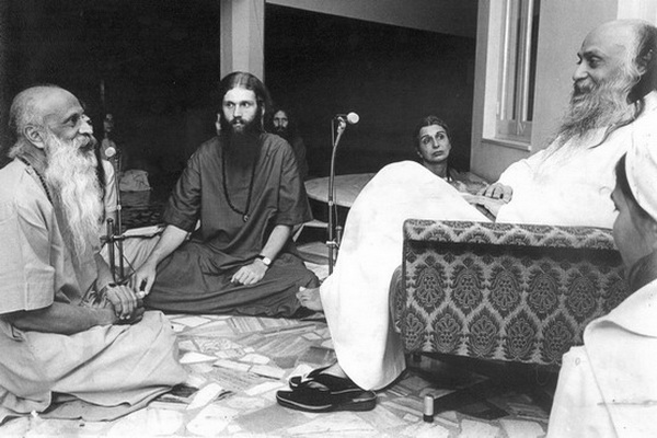 Om Prakash Saraswati in darshan with Osho