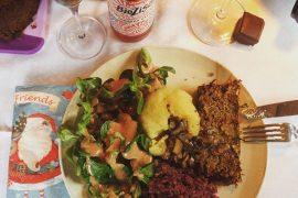 lentil loaf with mushroom gravy