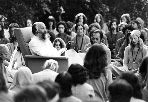Satsang on the lawn with Osho in Pune, ca 1975