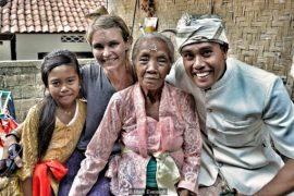 Nenek and family