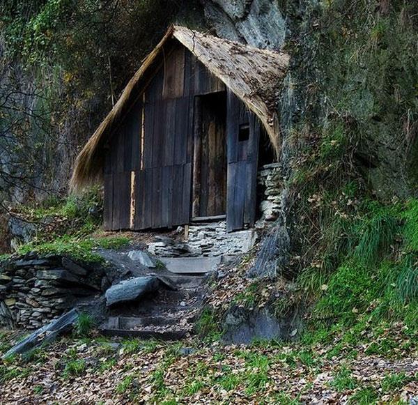 Ryokan's mountain hut