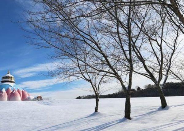 Yogaville in winter