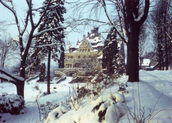 020 Rajneeshstadt the castle cr Niranjano