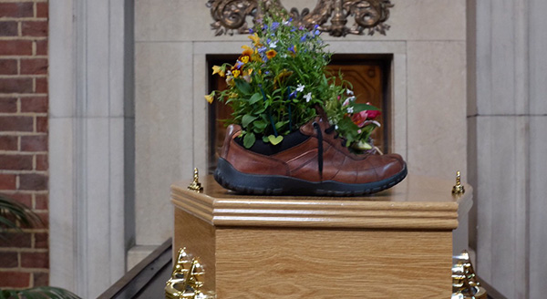 Parmartha's coffin with shoes