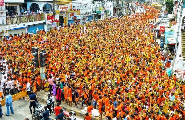 Kanwariyas in city