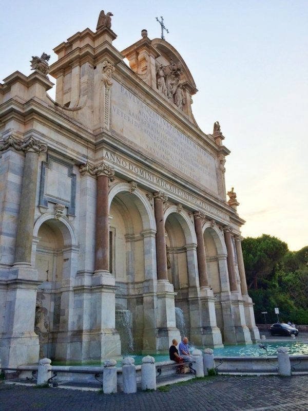 Fontana dell'Acqua Paola overlooking the city