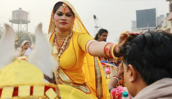Kinnar Akhara member