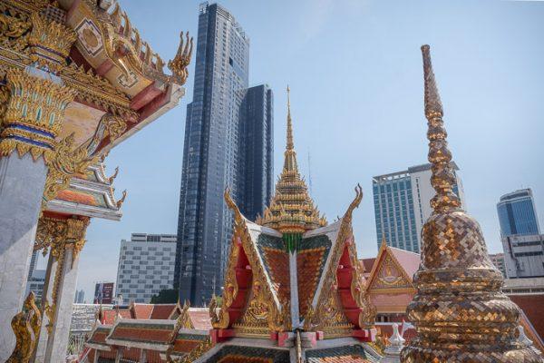 Wat Hua Lamphong skyline
