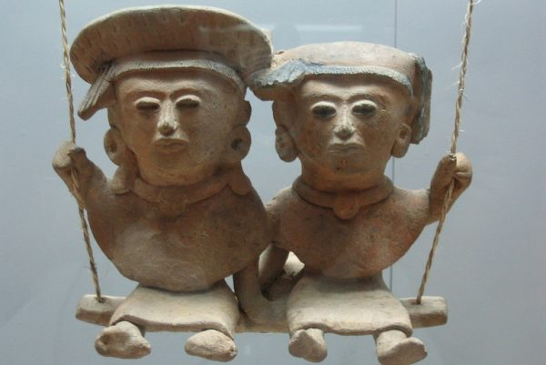 Mexican clay figurines Feat