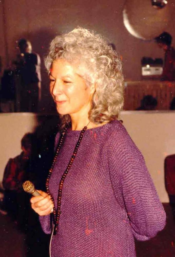 040 Barbara singing 2